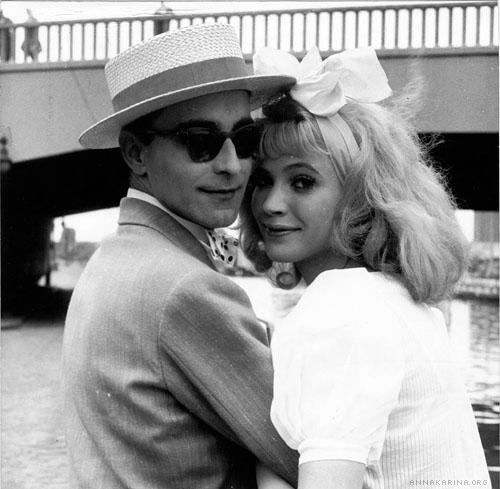 Godard e Anna Karina nos bastidores de Les Fiancés Du Pont Macdonald